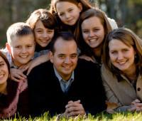 Família: nela há um caminho que leva os seus membros à santidade