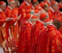 Cardeais refletem sobre possível unificação de dicastérios