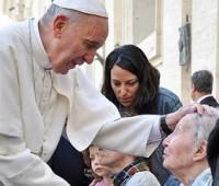 Igreja não acompanha doentes só com palavras, mas também com ações