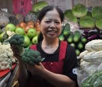 Ela vive com R$ 7 por dia, mas já doou R$ 850 mil para caridade