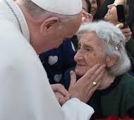 Papa na Audiência Geral: Onde não há honra para os idosos, não há futuro para os jovens