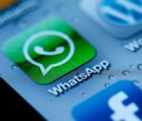 Bispo tira dúvidas dos jovens pelo whatsapp