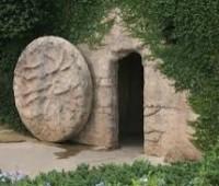 Papa: A vida não termina na pedra de um sepulcro. Vai além!