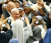 """""""Que a Igreja não seja madrasta nem expulse os fiéis"""""""