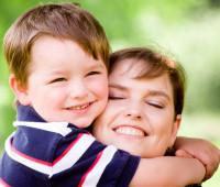 """Mãe: aquela que """"primeira"""" no amor e serviço"""