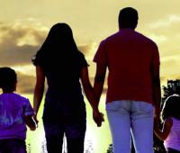 Pais presos por discriminação de gênero. Vítima: os filhos