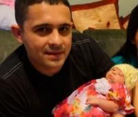 Bebê anencéfala sentenciada à morte está com 15 meses