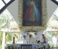 Papa visita Santuário da Divina Misericórdia em Guayaquil