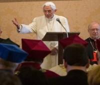 """""""Volte a música sacra"""". Discurso do Papa Bento XVI."""