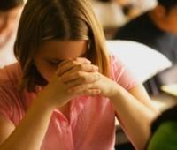 Santa Missa: é proibido ajoelhar na hora da Consagração?
