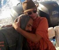 Misericórdia: uma turista grega salva a vida de um jovem sírio