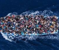 Papa aos bispos, paróquias e mosteiros de toda Europa: acolham os refugiados