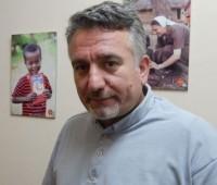 Padre vítima do Estado Islâmico dá seu testemunho no Brasil