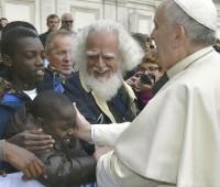 Jovens são recrutados para semear o medo em nome da religião, denuncia o Papa