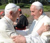 Vatileaks: Bento XVI foi o primeiro a denunciar a corrupção dentro do Vaticano, afirma Papa