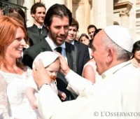 """""""Que não haja confusão entre família querida por Deus e outros tipos de união"""""""