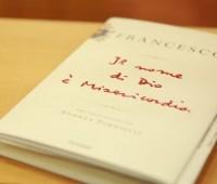 Isto é o que diz o Papa Francisco sobre os homossexuais em novo livro lançado ontem
