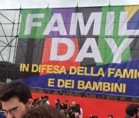 Italianos fazem megaevento em defesa do matrimônio