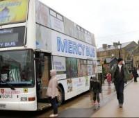 Ônibus de dois andares é transformado em confessionário