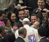 Papa reflete sobre o significado da Ascensão do Senhor e com carinho pede por todas as mães