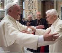 Papa: Bento XVI continua servindo a Igreja