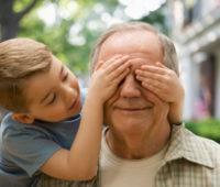Papa: Avós, tesouro para a sociedade