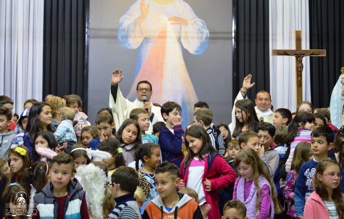 missa-pelas-familias-santuario_divina_misericordia