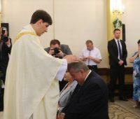 Filho da primeira-ministra da Polônia é ordenado sacerdote