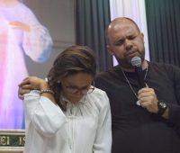 Emoção e devoção tomam conta do 4º dia de Cerco de Jericó da Família