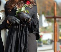 Orar pelos falecidos: expressão genuína da fé, esperança e caridade cristã