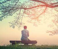 Aprender com Maria e José a contemplar a Jesus no silêncio
