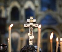 Rezemos pelos vivos e pelos falecidos:  A sétima das obras de misericórdia espiritual