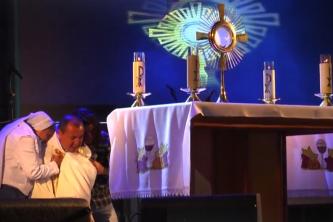 Oração e Adoração na Festa da Divina Misericórdia 2017