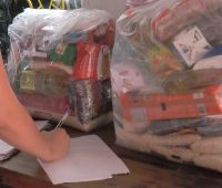 Pastoral Social leva cestas básicas às famílias carentes