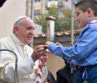 Papa Francisco inaugura lar para órfãos deficientes em Roma