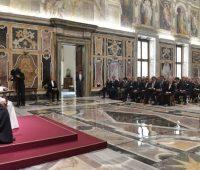 Papa pede a jornalistas que tenham responsabilidade ao exercerem seus trabalhos