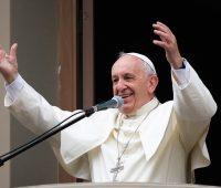 As redes sociais são um espaço de encontro e solidariedade, afirma Papa
