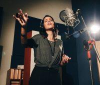 Brasileira que cantou para o Papa, é a nova participante do The Voice Brasil