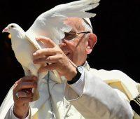 Papa pede paz no Oriente Médio