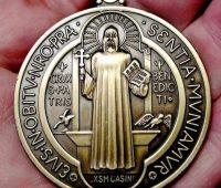 Medalha e Cruz de São Bento
