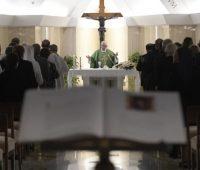 """Papa: ter cuidado com cristãos que se apresentam como """"perfeitos"""" e rígidos"""