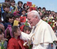 São João Paulo II: o Papa da juventude