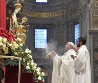 Papa Francisco: Maria é remédio para a solidão e a desagregação