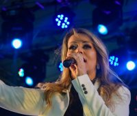 Adriana Arydes na Festa da Misericórdia 2019