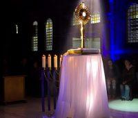 Santuário realiza 2ª vigília 24h com Jesus