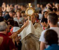 18º Congresso: Adoração ao Santíssimo