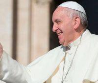 """""""O Natal é a festa do amor encarnado, do amor nascido para nós em Jesus Cristo"""" destaca o Papa Francisco"""