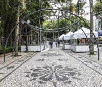 Feira de Natal da Praça Osório tem 60 barracas com diversos produtos natalinos