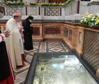 Segundo o Papa a oração pessoal e adoração são essenciais para permanecer em Jesus