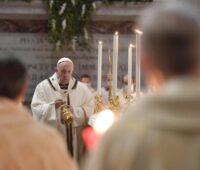 """""""Deus nos espera sem nunca cansar"""" afirma o Santo Padre"""